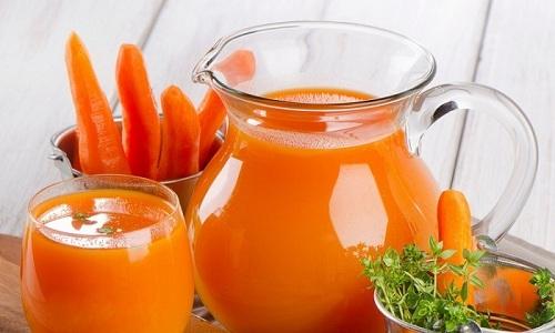 Напиток из томатов при хроническом панкреатите можно смешивать с морковным соком
