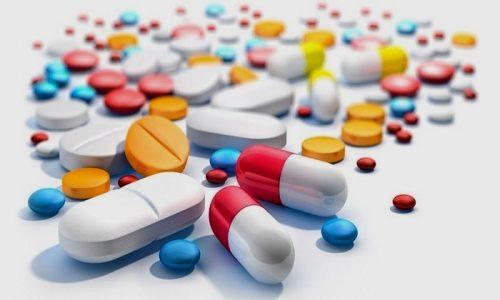 Уролог может назначить пациентке лечение цистита антибиотиками, мочегонными и противовоспалительными препаратами